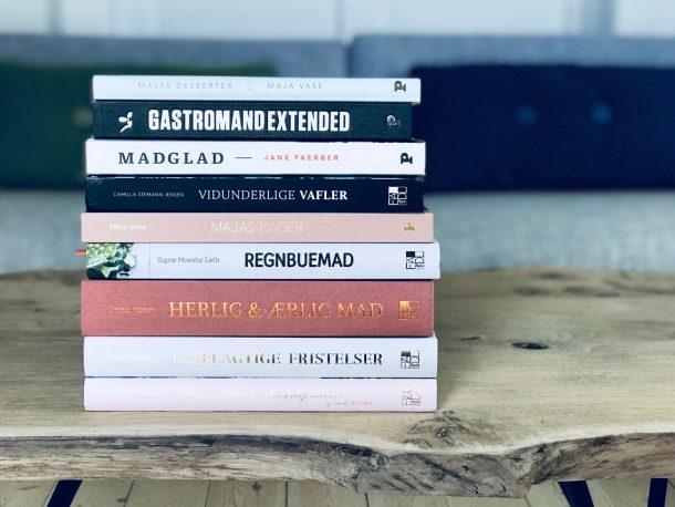 Gode kogebøger du kan give i julegave til en, der elsker mad