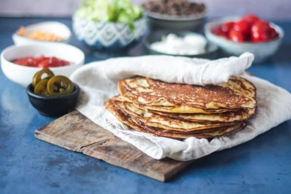 Keto Tortillas med flæskesvær - opskrift på Low Carb tortillas eller madpandekager