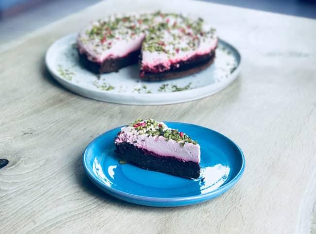 Brownie med hindbærmousse - glutenfri - den perfekte gæstekage