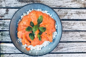 Kylling i tomatsovs med mascarpone - lækker LCHF / keto hverdagsmad