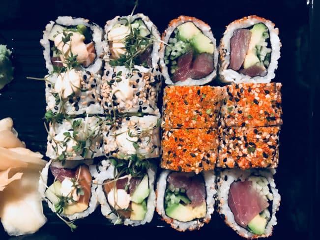 Sushi - oplagt carb up før træning på keto