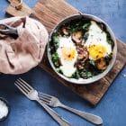 Spejlæg med smørstegt spinat og champignon
