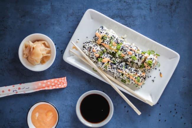 SPICY TUNA ROLL MED BLOMKÅLSRIS - lækreste sushi uden kulhydrater
