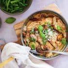 Kylling i flødesovs med soltørrede tomater og champignon