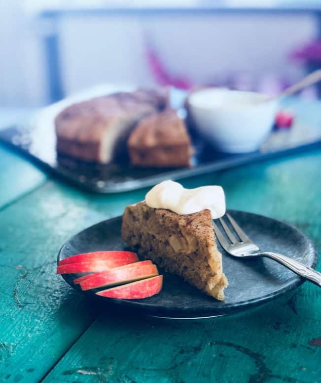 Bedste æblekage - og måske den nemmeste opskrift. Glutenfri og sukkerfri.