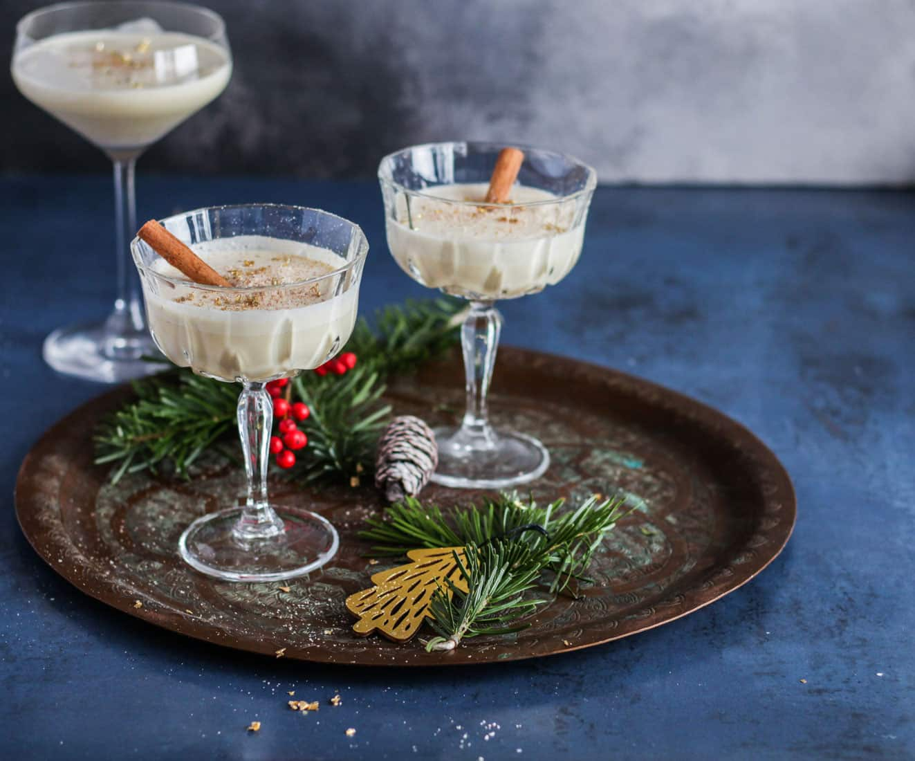 Eggnog - opskrift på den lækreste juledrink (med valgfri alkohol)