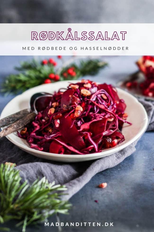 Rødkålssalat med rødbede og hasselnødder - dejlig frisk salat med rødkål til juleaften