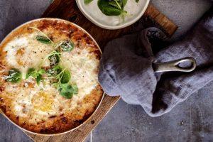 Italiensk æggepande med pancetta og parmesan - dejlig KETO opskrift