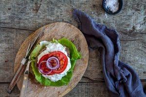 Græske burgere med tzatziki - lækker, nem og mættende mad - KETO/LCHF