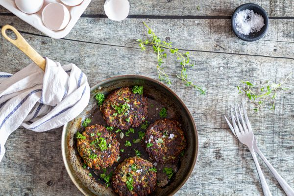 Grønne frikadeller med squash, spinat og feta - Low Carb vegetar opskrift