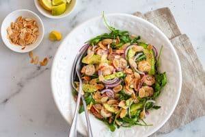 Avokadosalat med rejer - opskrift på en sund og frisk salat med rejer og avokado