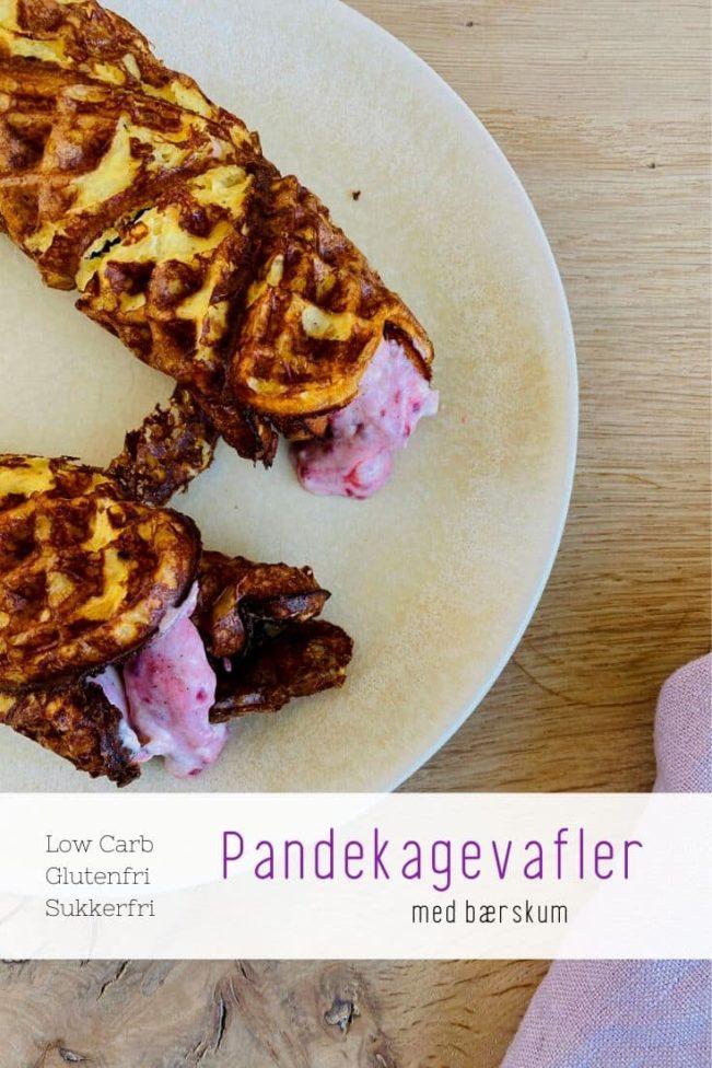 Pandekagevafler med bærskum - lækker opskrift på pandekager bagt i vaffeljern