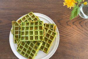 Grønne chaffler - opskrift på de populære chaffler med spinat og persille
