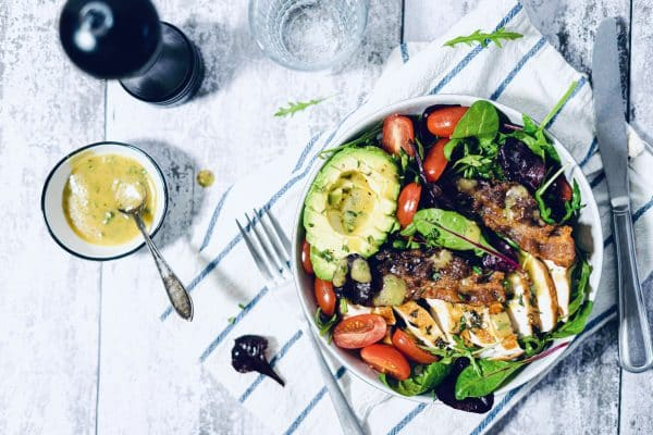 Salat Bowl med rosmarinkylling