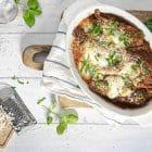 Chicken Parmesan - lækker opskrift på sprød kylling i tomatsovs med ost