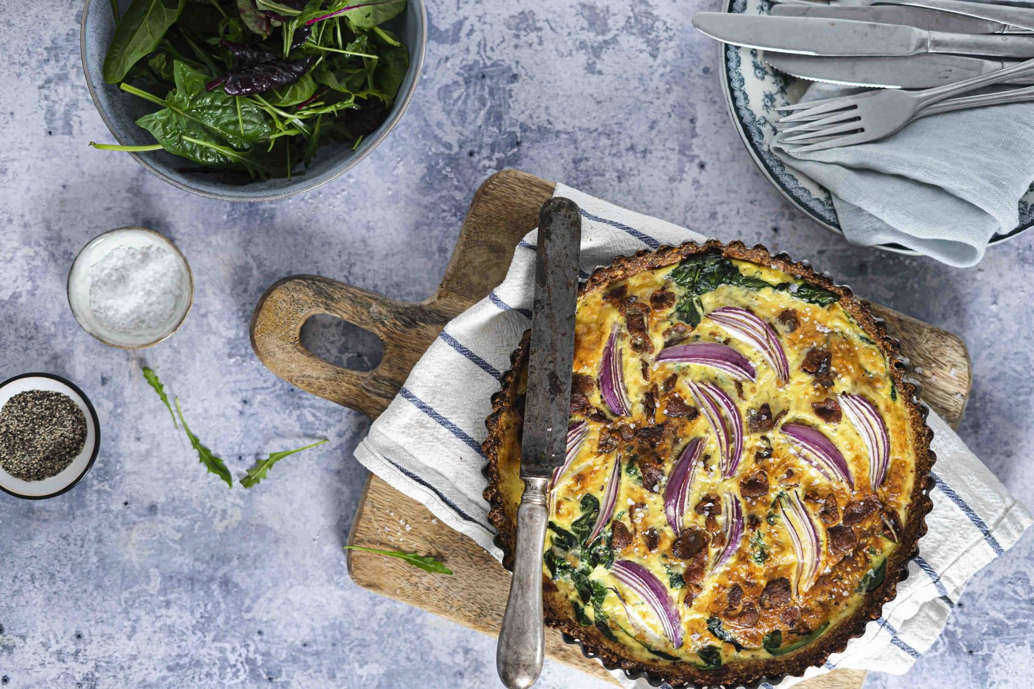 Tærte med blomkålsbund - opskrifter på lækkert Keto-madtærte